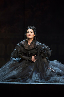 Lianna Haroutounian as Helene in Les Vêpres siciliennes © ROH / Bill Cooper 2013