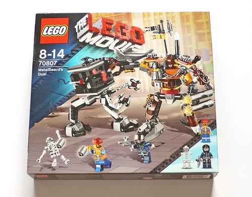 LEGO The Movie 70807 MetalBeard's Duel box01