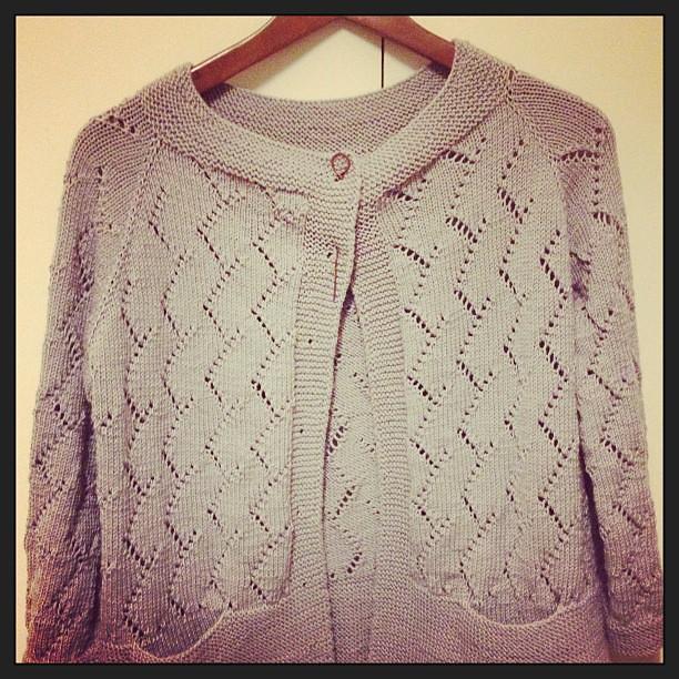 Finish finish finish!!! Finalmente!!! mancano solo i bottoni#yarn #grignasco #knit #knitting #lavoroamaglia #instaknit #veeravalimaki #serialknitters #fattoamano #handmadewithlove #wipkal  #kalfromitaly