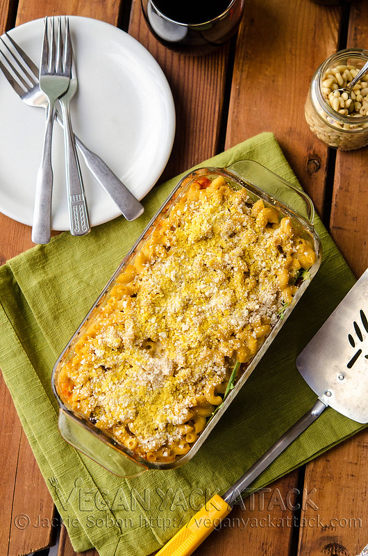 Macaroni Lasagna - Take your average lasagna and make it interesting with this macaroni and white bean cheese sauce version!