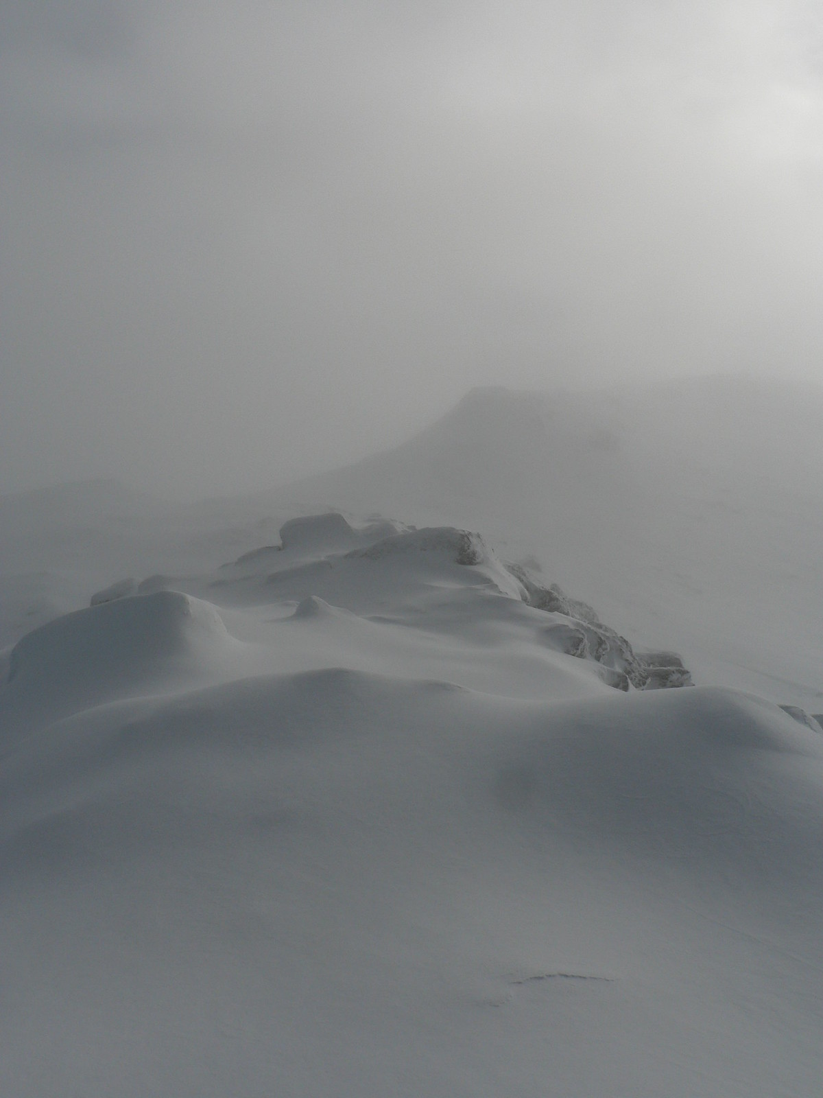 Pristine powdery snow! Just off the summit of An Caisteal.