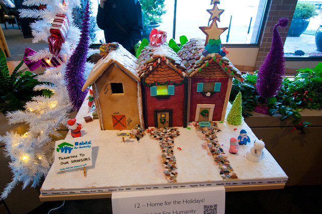 Gingerbread House 2013-3545