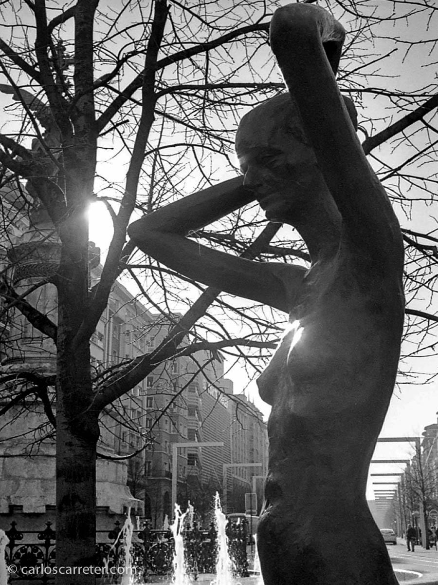 Esculturas de Gómez Ascaso en la plaza de España