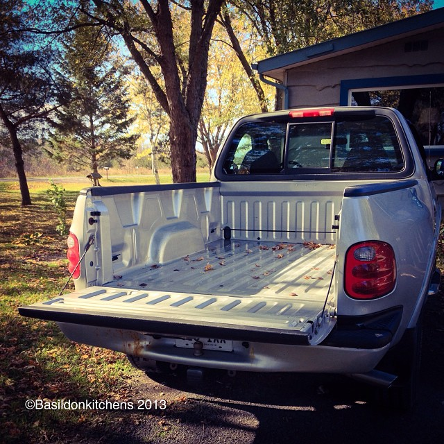 Oct 20 - open {tailgate is 'open'}. What's going into the truck today? #fmsphotoaday #open #truck #ford #f150 #4x4