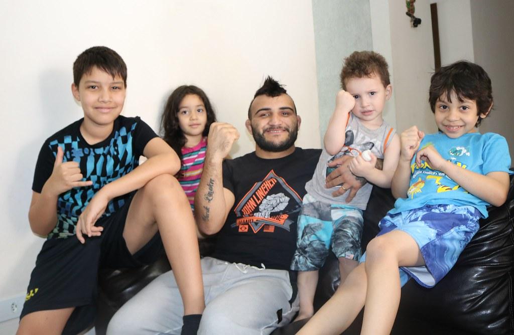 Sem apoio da Fundação de Esportes, Lineker divulga Paranaguá para o mundo 2