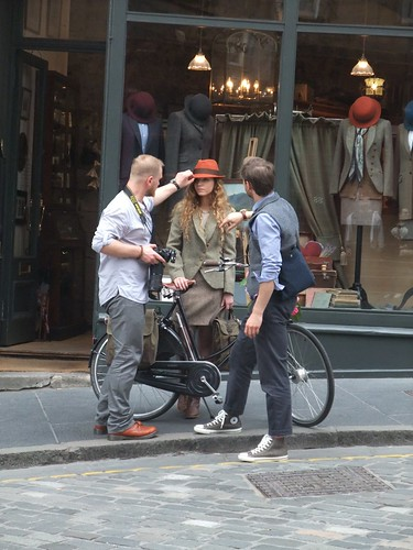 Edinburgh Cycle Chic gatecrashes Harris Tweed Authority photo shoot