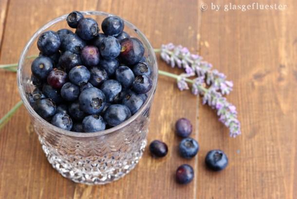 blaubeeren in lavendelsirup by glasgefluester 1 klein