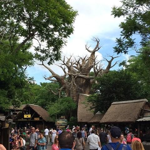 このバオバブの木はコンクリート。