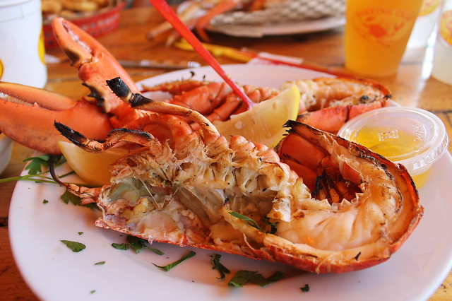 Comer en Boston: Fired grilled lobster, en 'Barking Crab' (Boston)