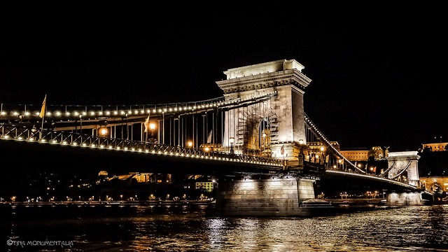 Hungary - Budapest by night-02