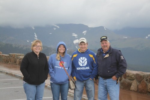 A little throwback to when we went to Estes Park for the day. Family bonding!