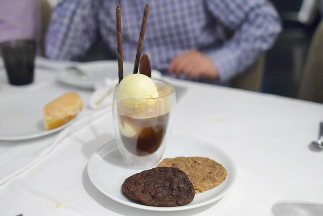 MICHAEL MINA'S SIGNATURE ROOT BEER FLOAT WARM CHOCOLATE & PECAN COOKIES, SASSAFRAS ICE CREAM