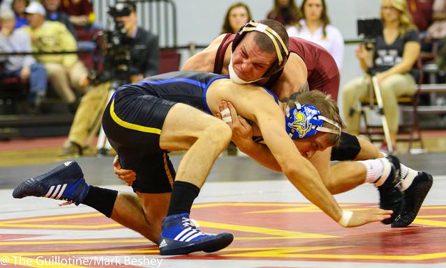 149: Alex Kocer (SDSU) maj dec James Berg (Minn), 10-2