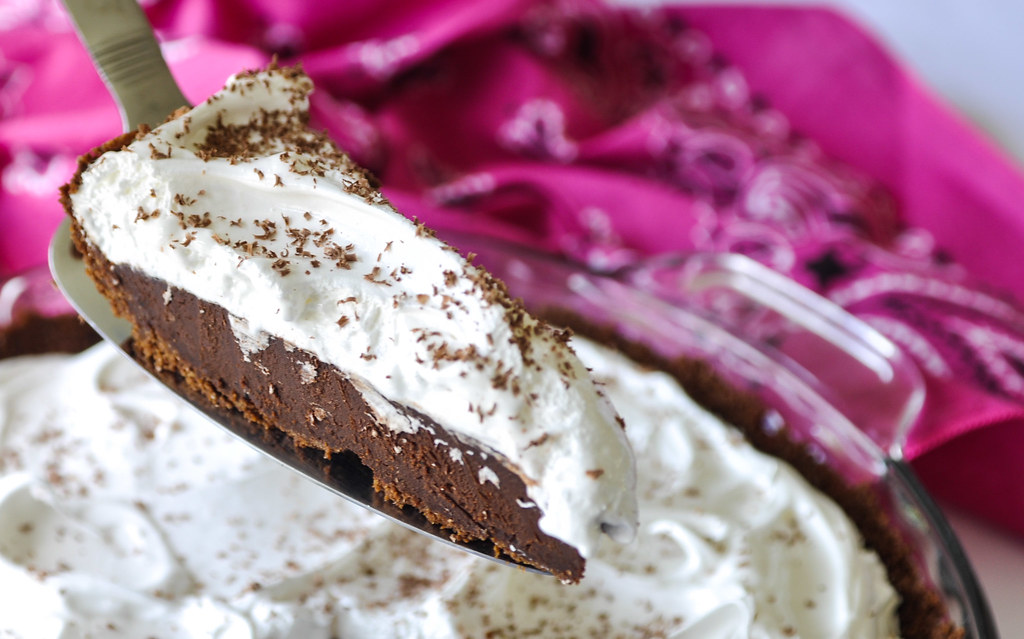 S'mores pie slice (of heaven)