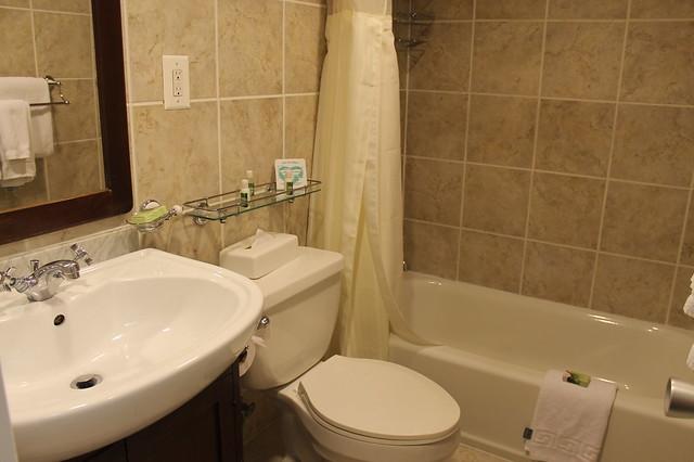 Windsor Suites