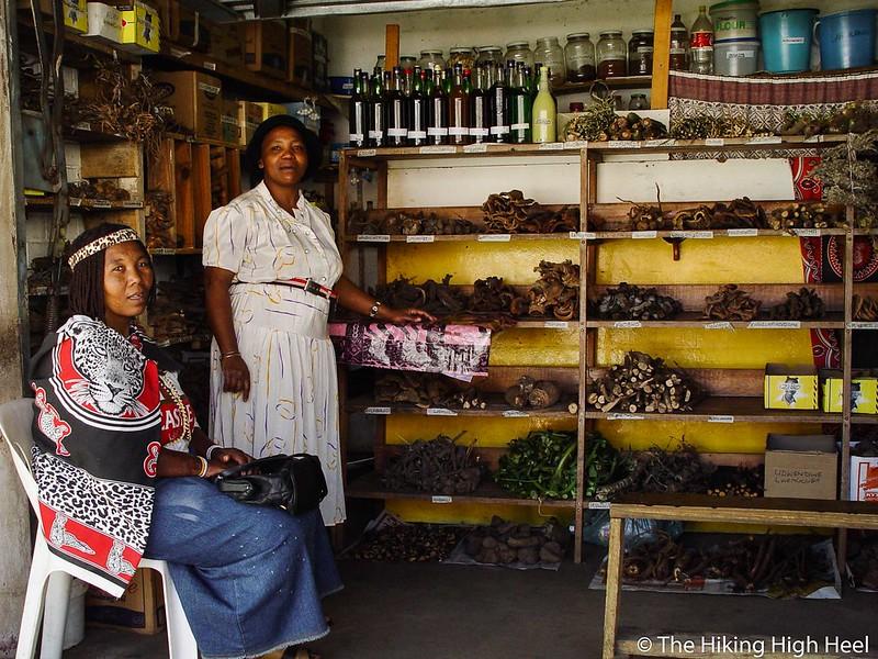 Heilkräuterverkäuferinnen in Mpumalanga, Südafrika