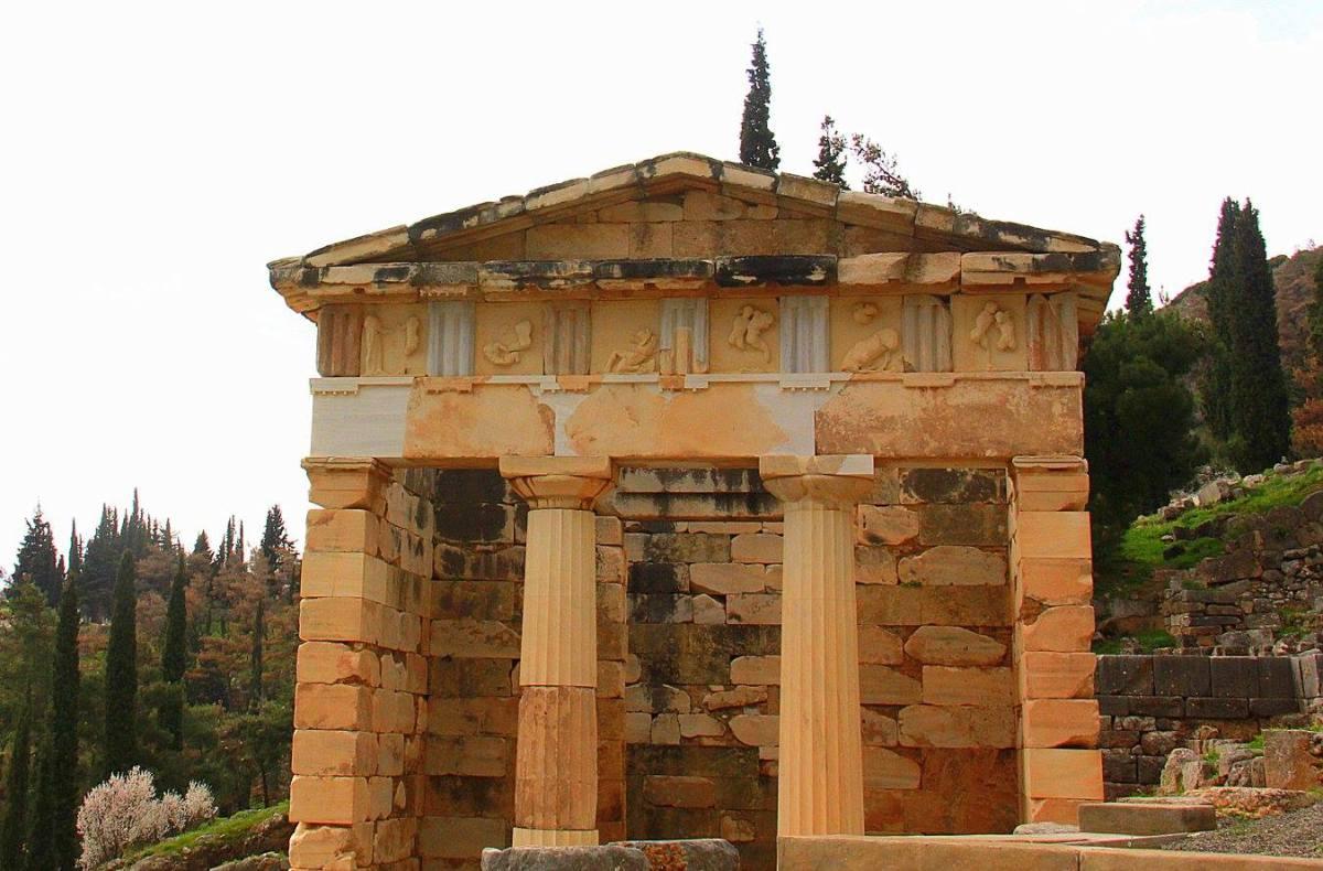 #travelbloggerindia #greecetourism #europe #delphi