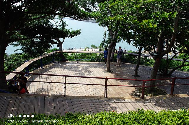 官邸靠海的那側整修後修築成觀景平台,視野很好,開闊的海景看了很舒服。