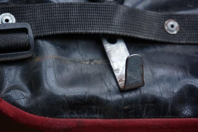 Crosso panniers: lower attachment hook detail