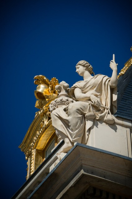 Sculpture on the roof of the Palace of Versailles