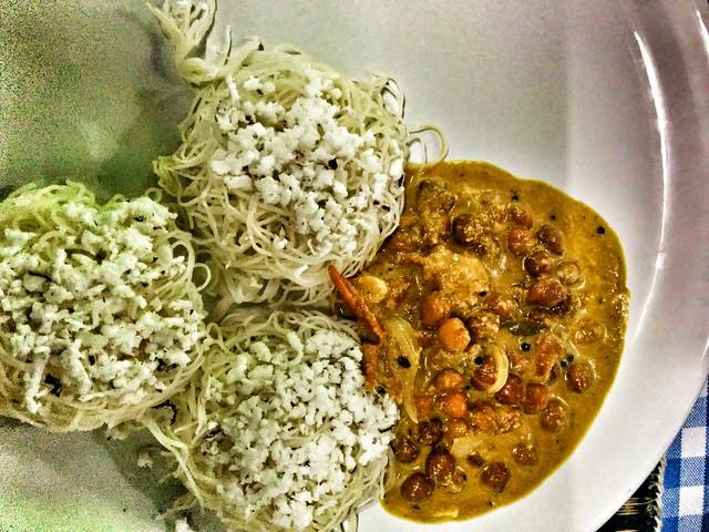 Putta and kadlakai curry