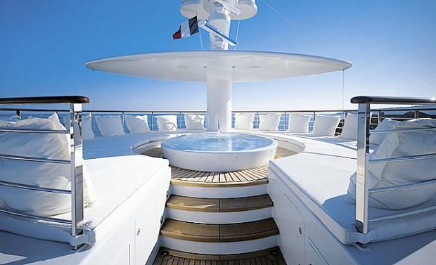 Andrey Melnichenko's yacht