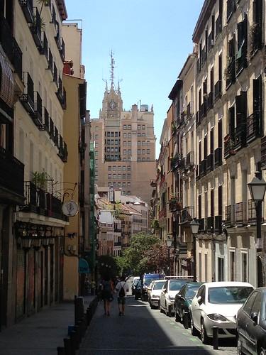 Edificio Telefónica desde Calle Colón, Malasaña. Madrid