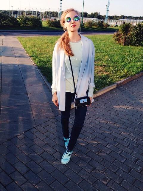 02 Annie Lysenko