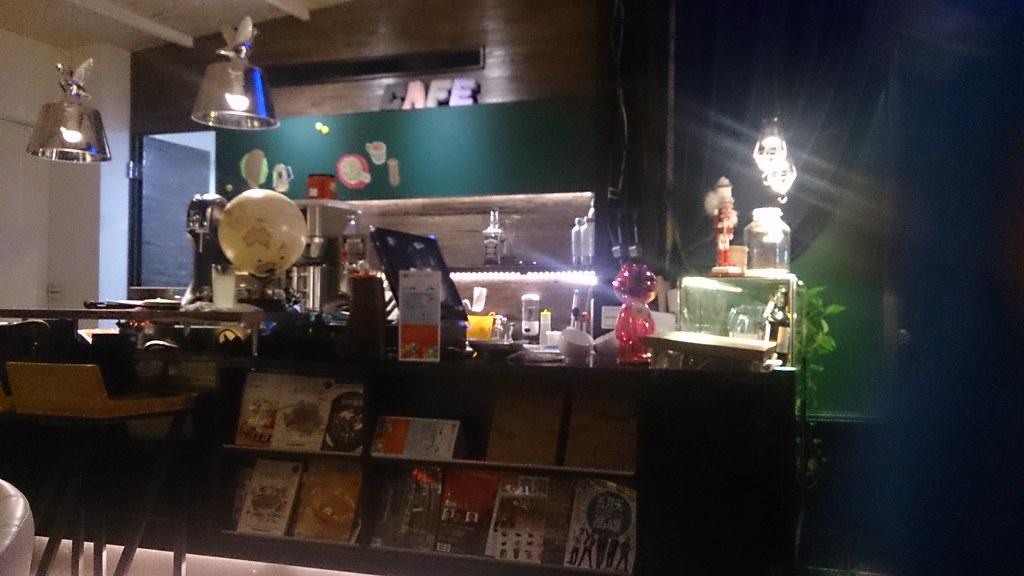 [食記] 臺南 - 88花園咖啡,菜單,無菜單創意料理 @ 鍵盤小妹─美食,印象裡去年姐妹才帶我到101大樓的尊榮俱樂部吃飯,印象挺深的。 裡面的位子約 20~30 個, 妮妮非常推薦朋友如果來到清境千萬不要錯過這個友如秘境般的景觀餐廳。 見晴山莊來福居咖啡廳有許多的標本,有如置身於南法的美好氛圍,訂位電話及地址   愛食記
