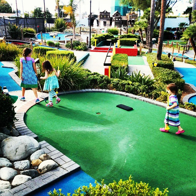 My mini mini-golfers!