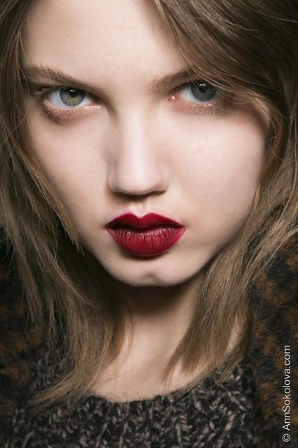02 Max Mara fall 2014 mac lips