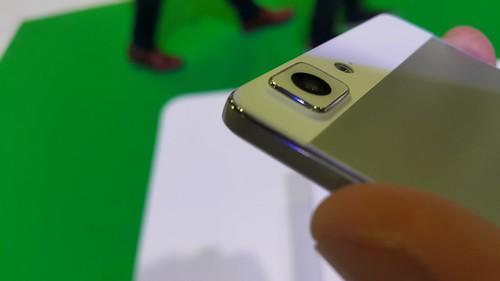 กล้องของ Oppo R5 นูนออกมาชัดเจนมาก