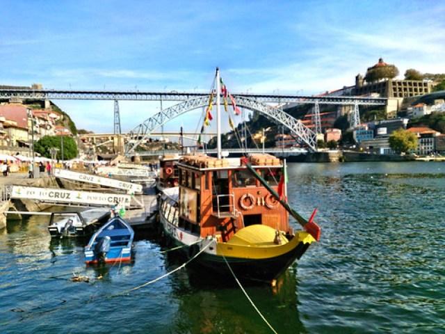 VVino de Oporto y Vila Nova de Gaia: bodegas, rabelos, teleférico, Puente Don Luis I, y visita a Bodega Ferreira.
