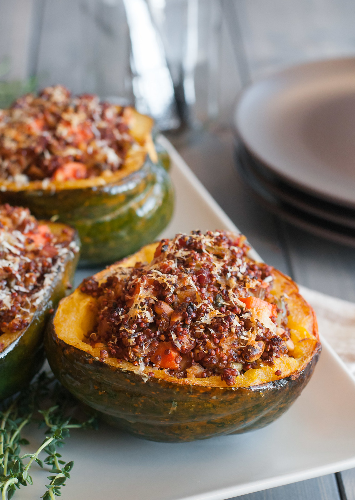 Rustic quinoa stuffed acorn squash - for almost any special diet | #homemade #healthy #comfortfood
