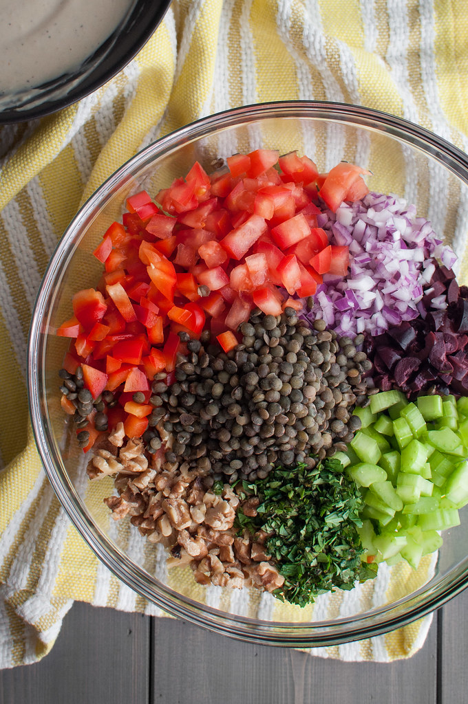 Creamy hummus lentil salad--a meat-eater approved meatless weeknight dinner! (gluten free)