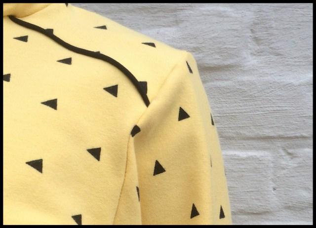 hide&seek sweater (close-up)