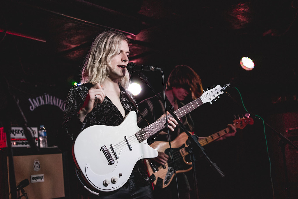Sundara Karma at the Horn