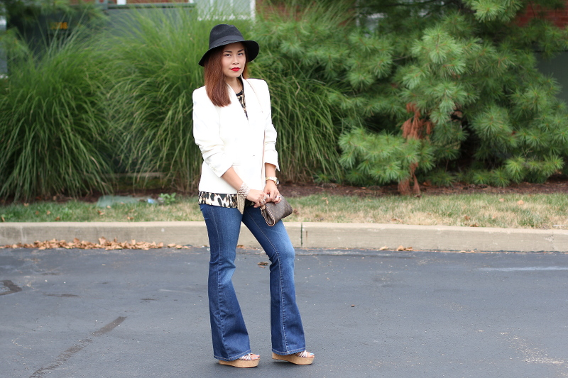 70s-trend-outfit-blazer-flare-jeans-4
