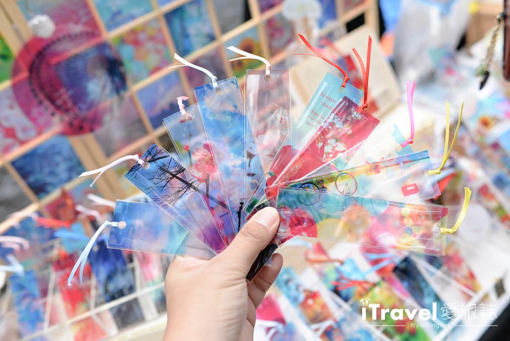 《京都市集即景》上贺茂神社手作市集:日常杂货与手工美食聚集地,还能小小欣赏红叶美景。