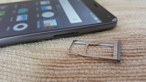 ถาดใส่ SIM ของ Meizu m2 note