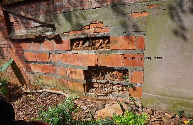 淡水 レンガの塀はこうやって作るのか