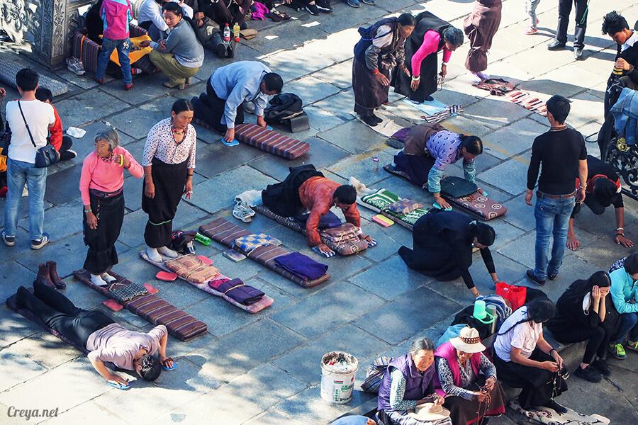 2015.12.09 | Tibet 西藏踢北去 | 尋找藏人真正的拉薩中心,被信仰力量震撼的大昭寺與舊城區 18.jpg