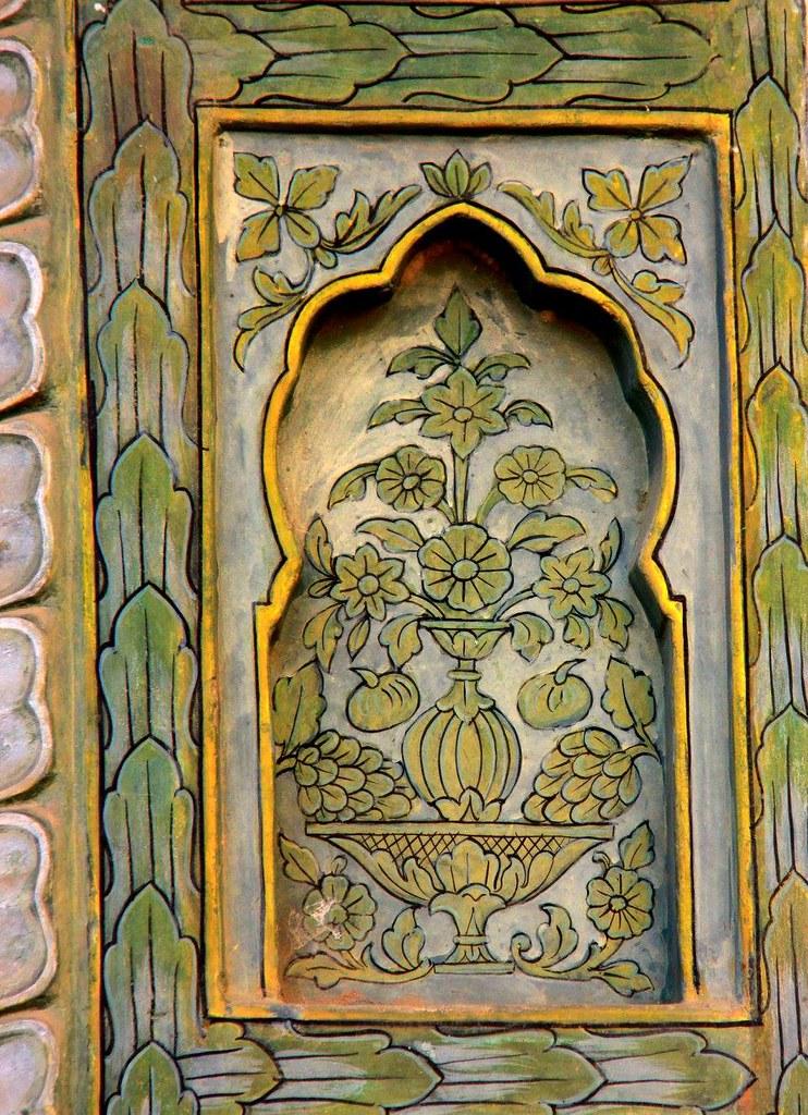 stunning designed niches at city palace jaipur