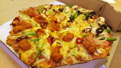 Spicy Chicken คู่กับ Extravaganzza