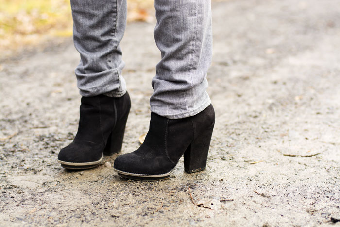 3-hm-grey-skinny-jeans-zara-black-booties