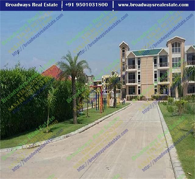 omaxe the resort 3bhk flats