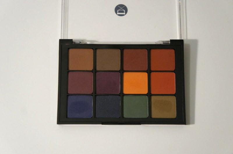 Viseart dark mattes palette opened