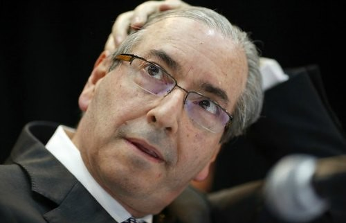 Analizan diputados pedido de destitución de Cunha