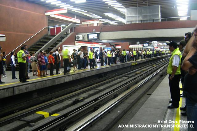 Metro de Santiago - Estación Baquedano (Línea 1)