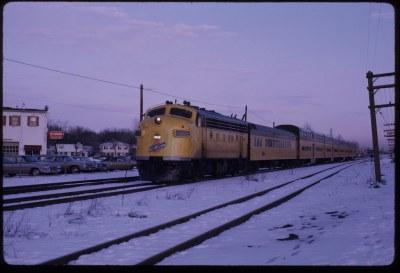 CNW 4087C on Lake Geneva train, Mt. Prospect, Il._JEL
